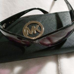Michael Kors Sun glasses and wallet